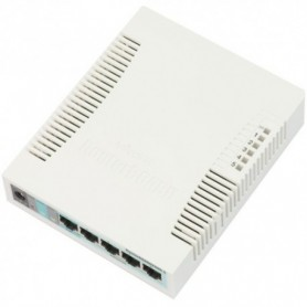 RB260GS - Switch gestionable, x5 puertos Gb, x1 SFP, SwOS. Sobremesa/pared
